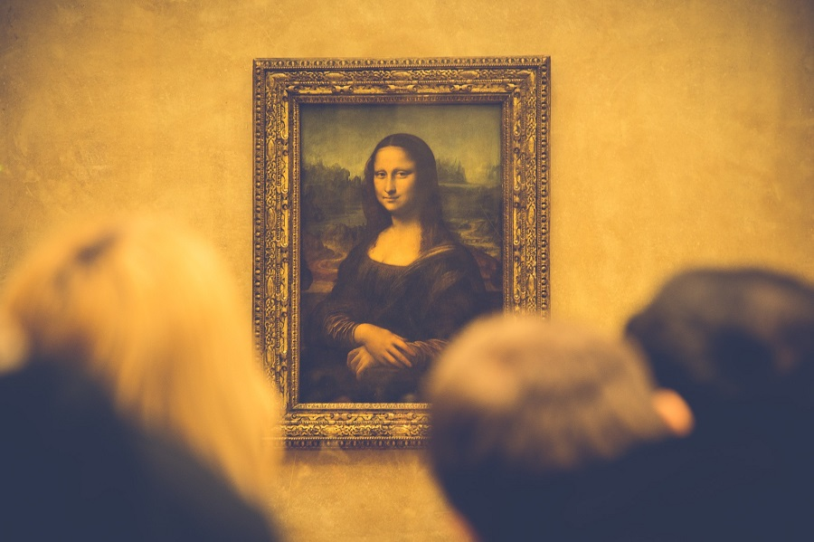 The Louvre The Internet and Content Curation